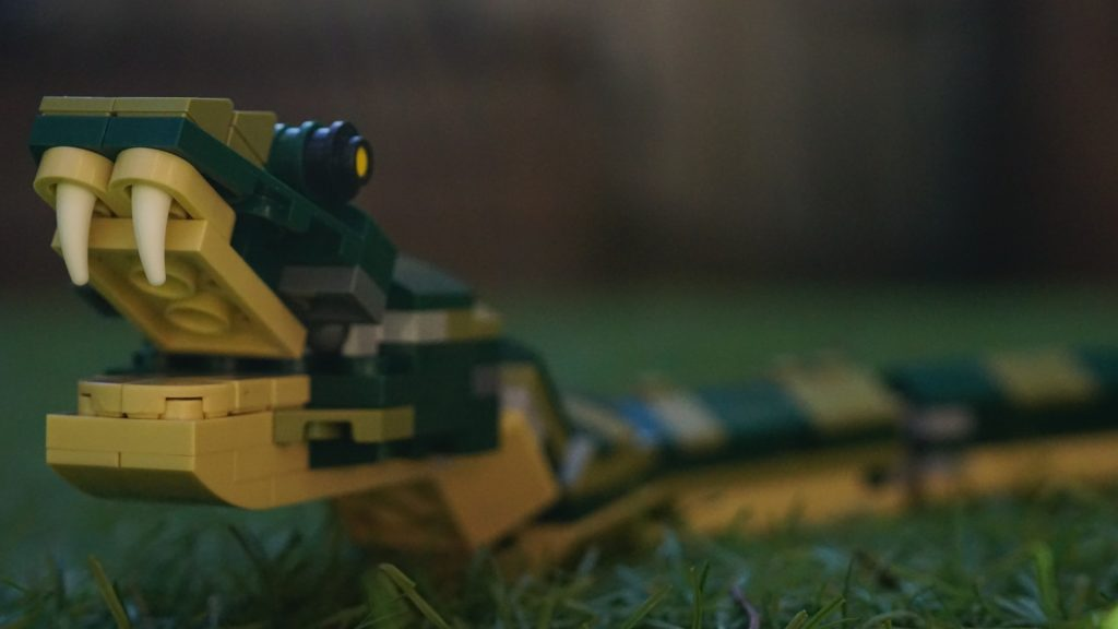 LEGO 31121 Crocodile Snake on Grass Closeup