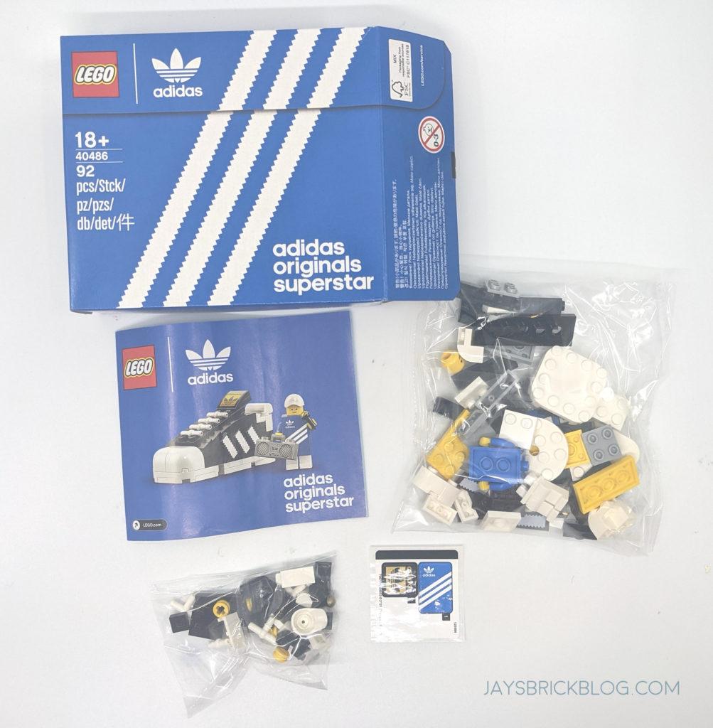 LEGO 40486 Mini Adidas Superstar contents
