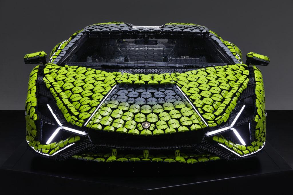 Life size LEGO Technic Lamborghini Sian FKP 37 18