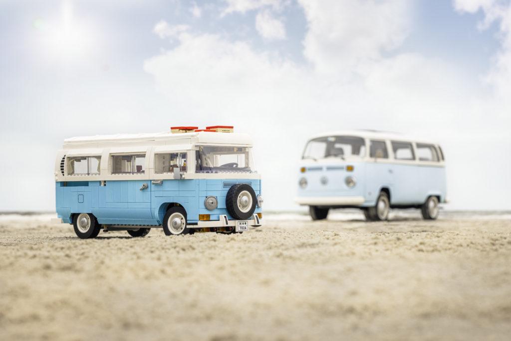 10279 LEGO Volkswagen T2 Campervan Comparison 5