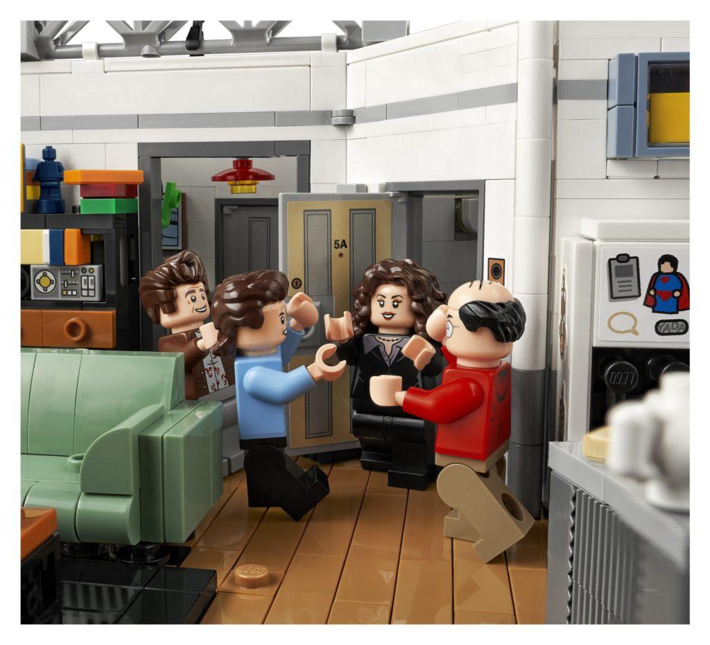 LEGO 21328 Seinfeld Door
