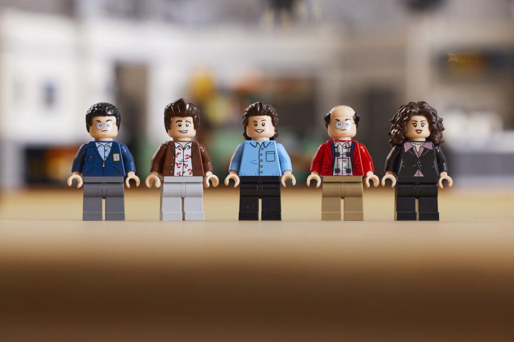 LEGO 21328 Seinfeld Lifestyle 11
