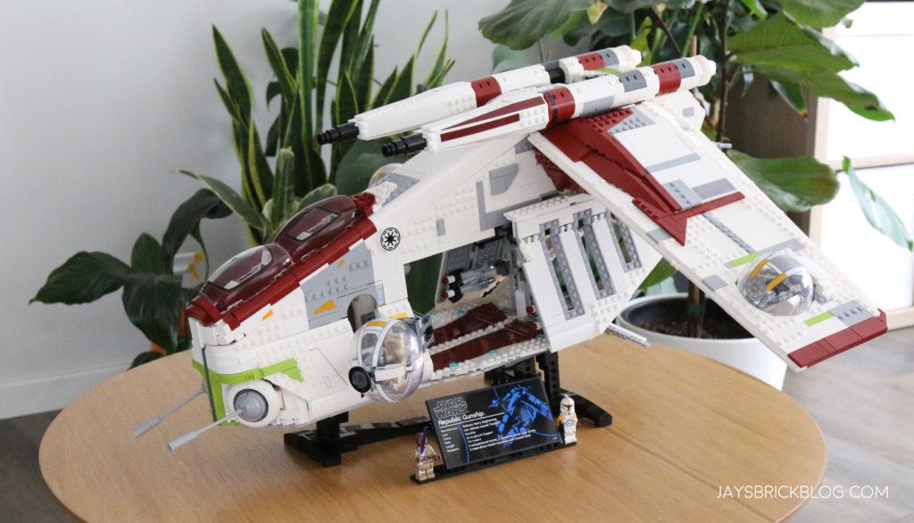 LEGO 75309 UCS Republic Gunship Gunship on Coffee Table